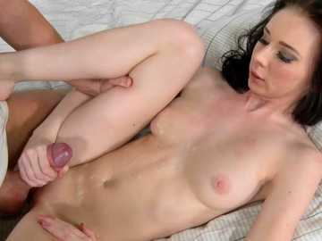 Liz Heaven is stretched by hungry beaver-cleaver in missionary position